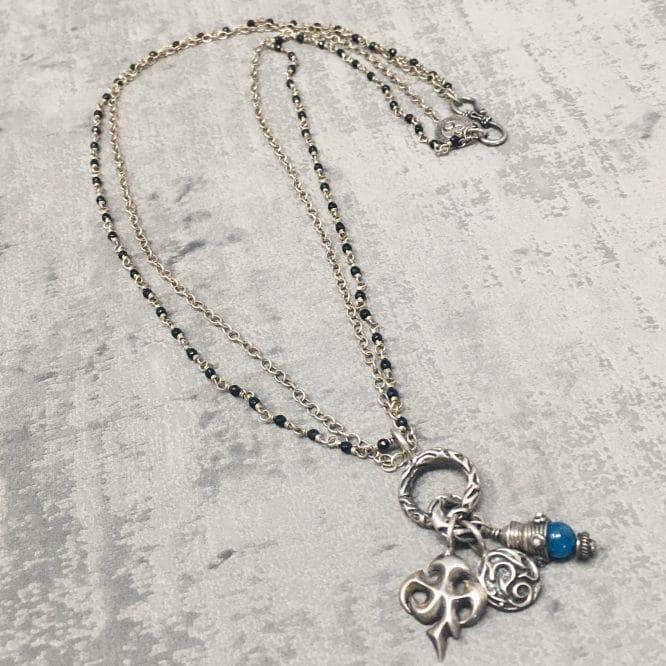 Collier amulettes Apatite 55cm