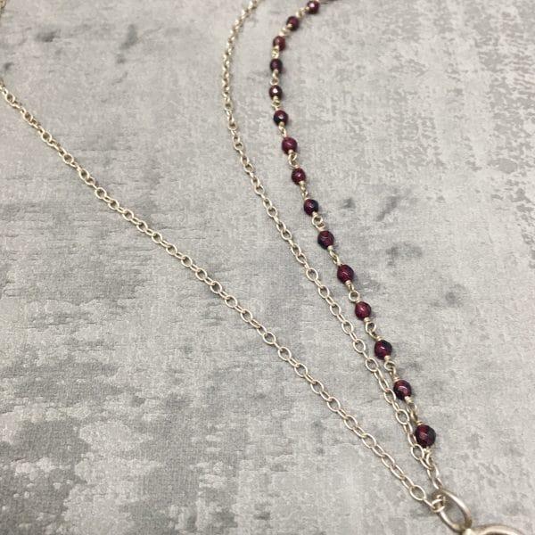 Collier amulettes tourmaline chaine