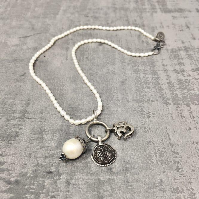 Collier amulettes Perle 40cm